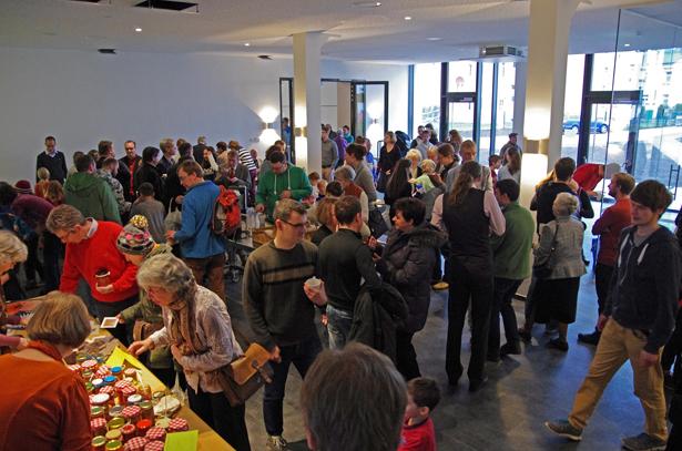 Im Foyer des Forum Hoffnung - Evangelisch-Freikirchliche Gemeinde Dresden