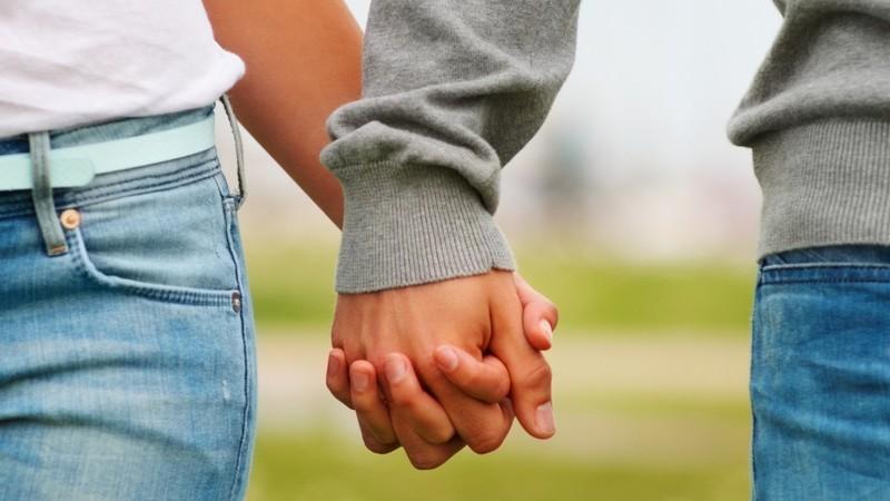 Pärchen Hand In Hand